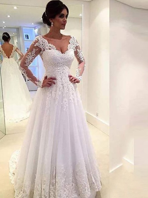 Fashion Ball Gown Long Sleeves Lace V-neck Court Train Tulle Wedding Dresses