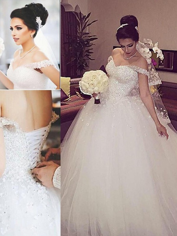 Stylish Ball Gown Sleeveless Lace Off-the-Shoulder Court Train Tulle Wedding Dresses