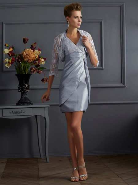 Sheath/Column V-neck Sleeveless Short Taffeta Homecoming Dresses