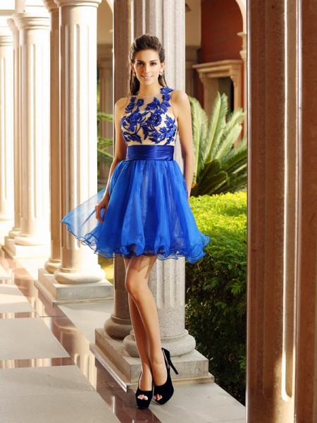 A-Line/Princess Bateau Beading Sleeveless Short Organza Cocktail Dresses