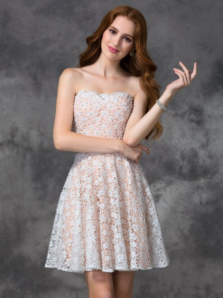 Fashion A-line/Princess Lace Sleeveless Sweetheart Short Lace Cocktail Dresses