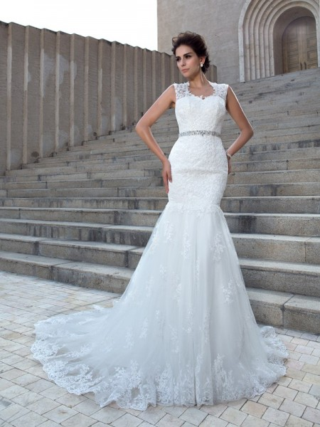 Fashion Trumpet/Mermaid Applique Sleeveless V-neck Long Lace Wedding Dresses