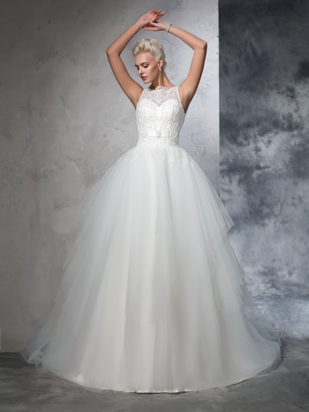 Stylish Ball Gown Applique Sleeveless Bateau Long Net Wedding Dresses