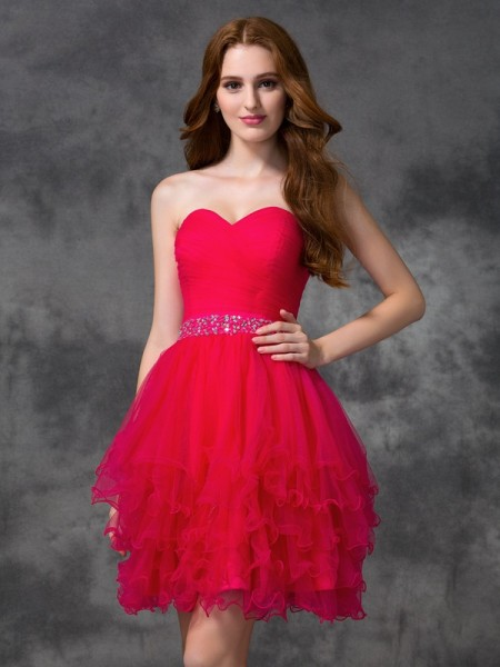 Stylish A-line/Princess Beading Sleeveless Sweetheart Short Satin Cocktail Dresses