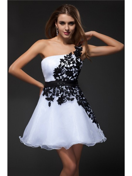 Stylish Empire Applique Sleeveless Strapless Short Organza Cocktail Dresses