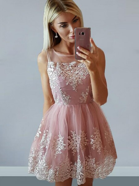 A-Line/Princess Tulle Sleeveless Scoop Applique Short/Mini Dresses