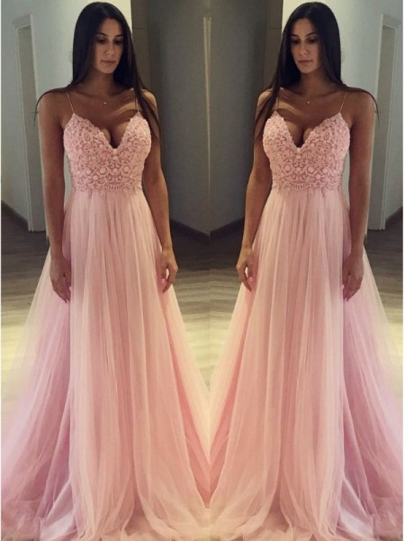 A-Line/Princess Sleeveless Spaghetti Straps Sweep/Brush Train Applique Tulle Dresses