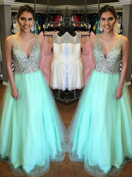 Fashion A-Line/Princess Sleeveless Floor-Length V-Neck Tulle Beading Dresses