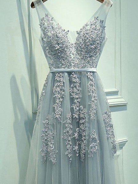 Fashion A-Line/Princess V-neck Tulle Sleeveless Applique Floor-Length Dresses
