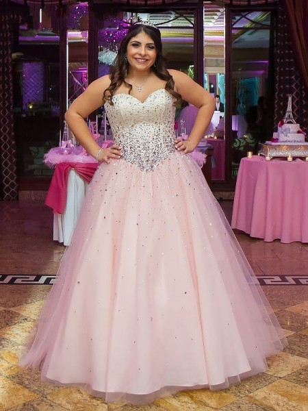 Fashion Ball Gown Sweetheart Tulle Sleeveless Floor-Length Beading Plus Size Dresses