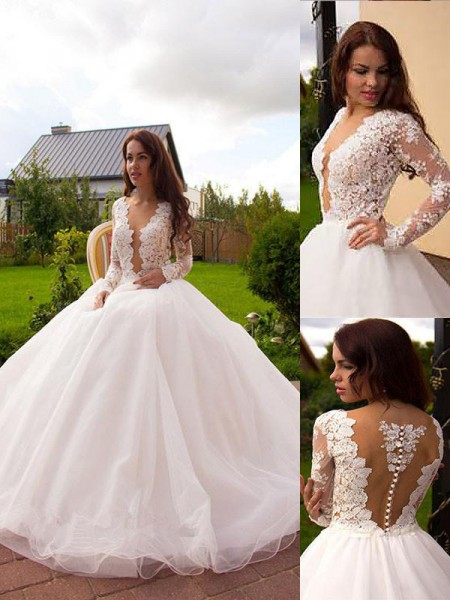 Court Train Ball Gown Long Sleeves V-neck Tulle Wedding Dresses