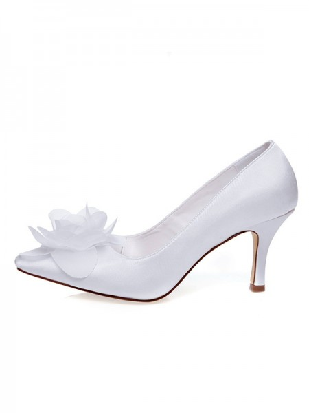 Fashion Trends Women's Satin Closed Toe Spool Heel Flower Wedding Shoes